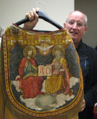Vestments worn by the priests